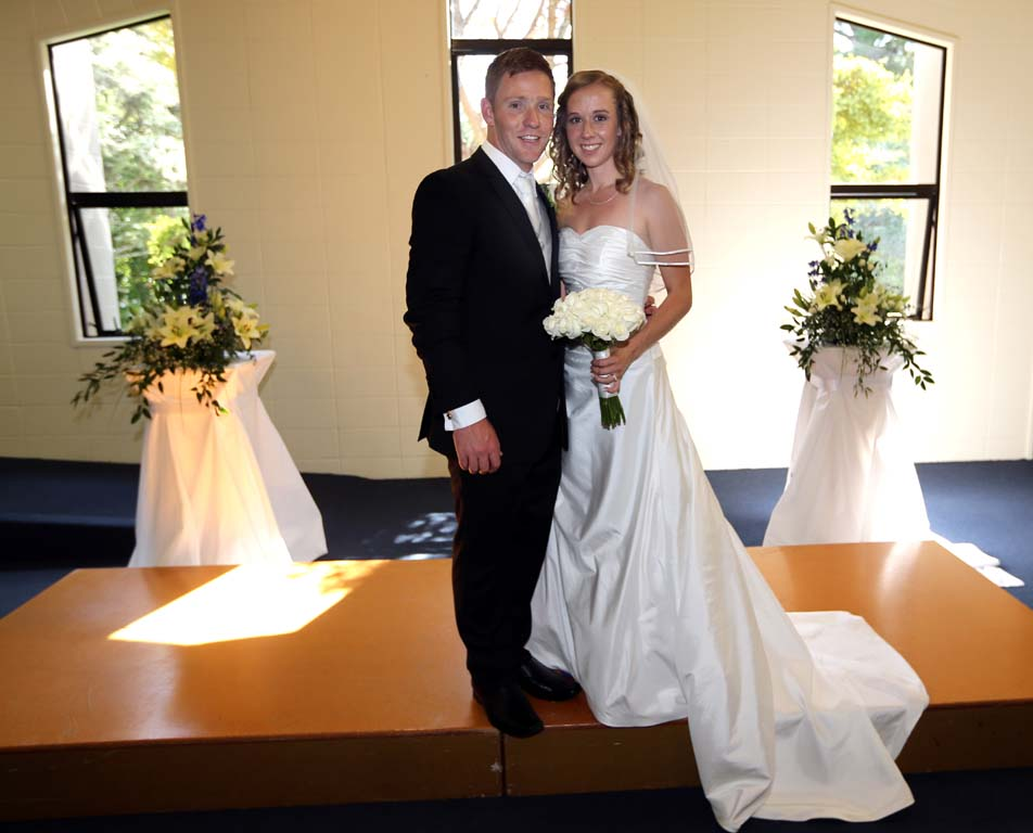 Laura Watkin wedding dress shops west Auckland
