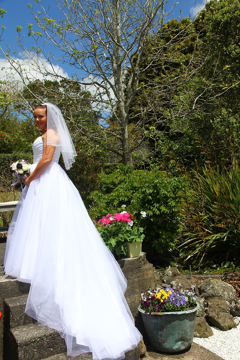 Amanda Rynbeck Wedding dresses Auckland