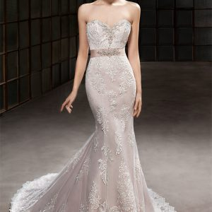 Cosmobella Bridal - Wedding Dress CM7806 with trumpet silhouette and sweetheart neckline in Ivory with chapel train